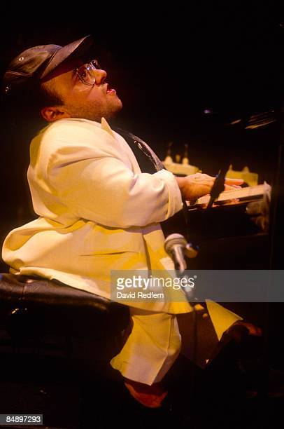 Photo of Michel PETRUCCIANI; Michel Petrucciani performing on stage