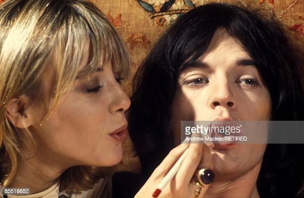 Photo of Mick JAGGER and Anita PALLENBERG Anita Pallenberg and Mick Jagger on set of film Performance
