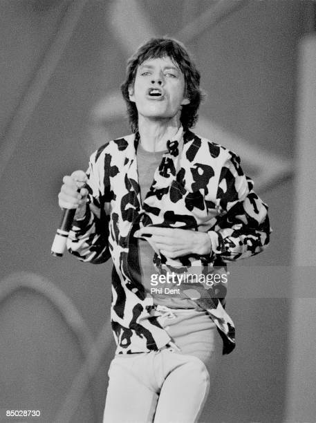 Photo of Mick JAGGER and ROLLING STONES Mick Jagger performing live onstage