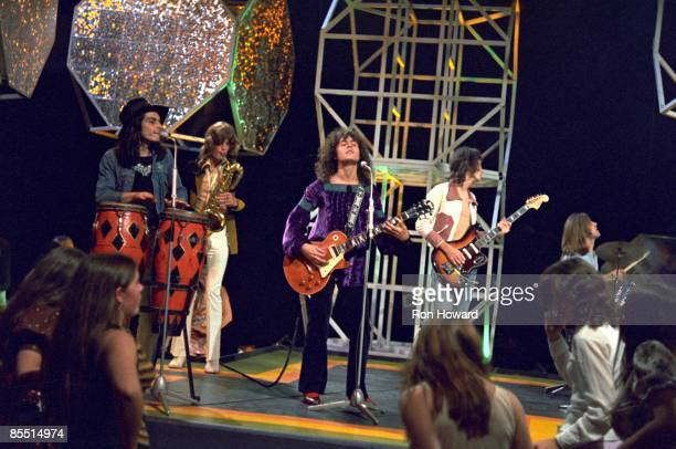 Photo of Mickey FINN and T REX and Marc BOLAN and Steve CURRIE, L-R: Mickey Finn, Marc Bolan, Steve Currie