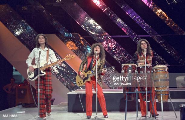 Photo of Mickey FINN and T REX and Steve CURRIE and Marc BOLAN, L-R: Steve Currie, Marc Bolan , Mickey Finn