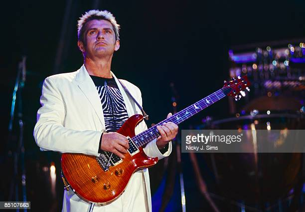 PARADE Photo of Mike OLDFIELD Mike Oldfield performing on stage Tubular Bells III