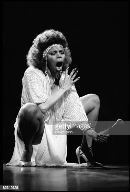 Photo of Millie JACKSON, Millie Jackson performing on stage