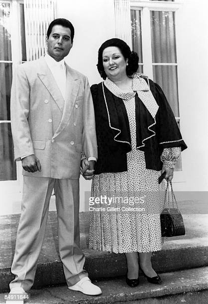 Photo of Montserrat CABALLE and Freddie MERCURY; Posed full length shot with Montserrat Caballe