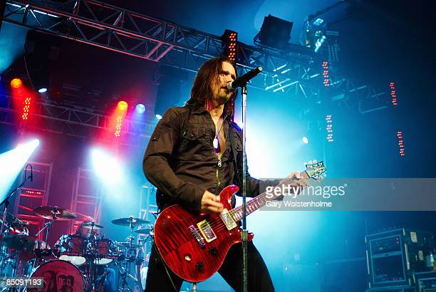 SHEFFIELD Photo of Myles KENNEDY and ALTER BRIDGE Myles Kennedy performing live onstage