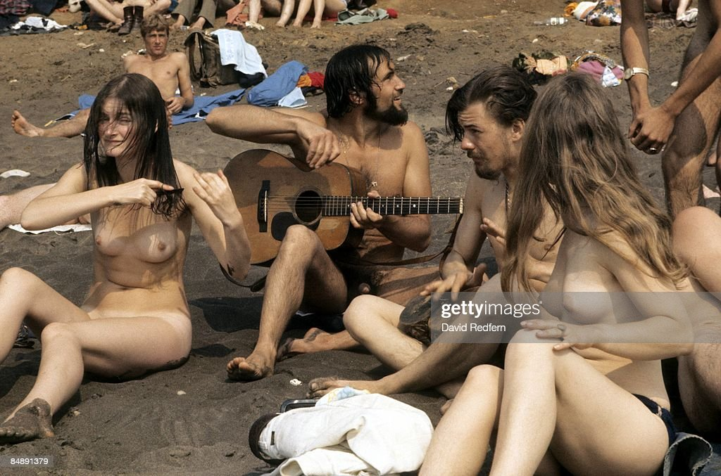 Photo of NAKED and HIPPIES and FANS and FESTIVALS : News Photo