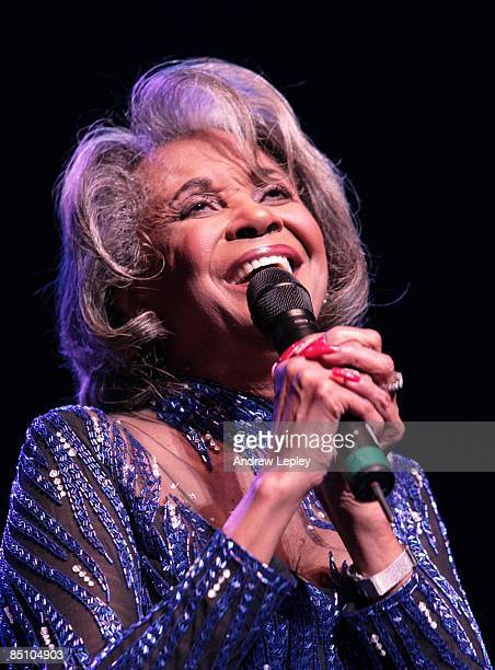 FESTIVAL Photo of Nancy WILSON performing live onstage