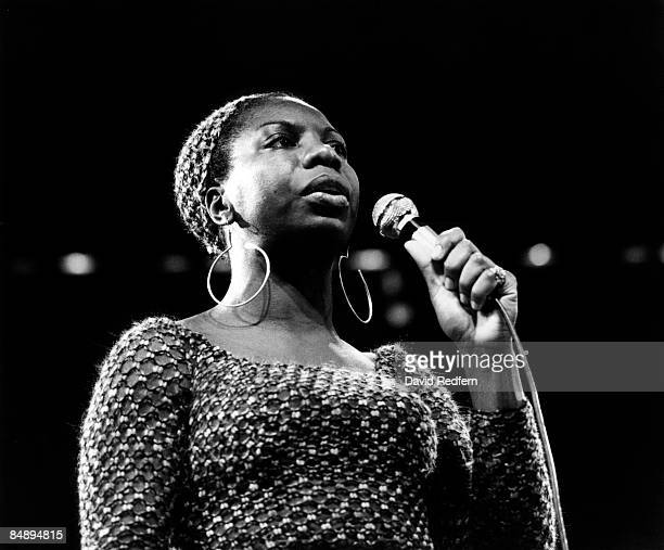 FESTIVAL Photo of Nina SIMONE Nina Simone performing on stage