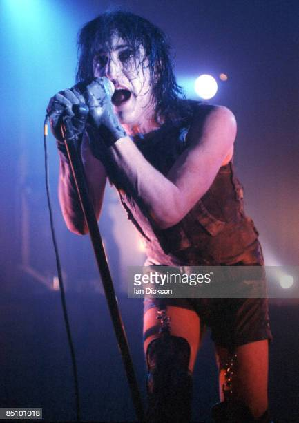 FORUM Photo of NINE INCH NAILS and Trent REZNOR Trent Reznor performing on stage