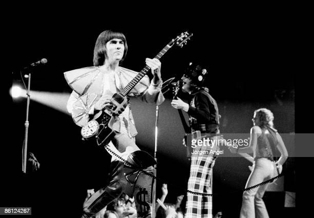Photo of Noddy HOLDER and SLADE and Dave HILL and Jim LEA LR Dave Hill Noddy Holder Jim Lea