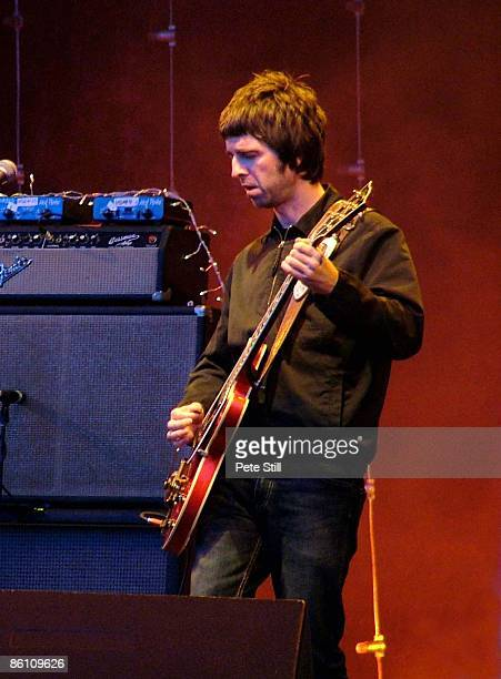 Photo of Noel GALLAGHER and OASIS, Noel Gallagher performing live onstage
