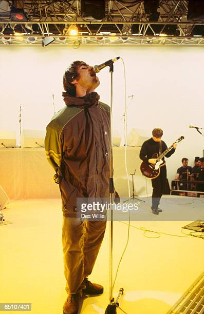 Photo of OASIS and Liam GALLAGHER and Noel GALLAGHER, Liam Gallagher and Noel Gallagher performing on tv show
