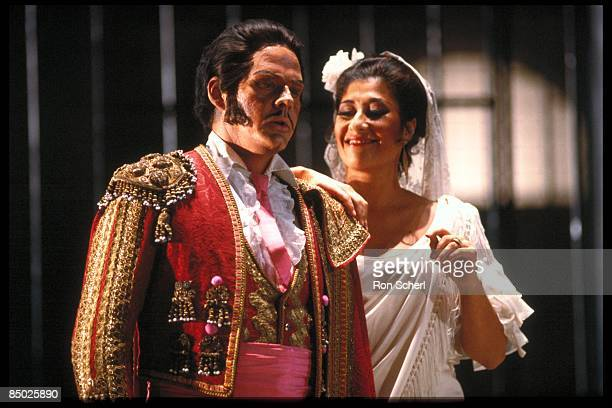 Photo of OPERA SINGER and CARMEN and Lenus CARLSON and OPERA; Lenus Carlson as Escamillo. Production: Jean Pierre Ponnelle. Director: Vera Lucia...