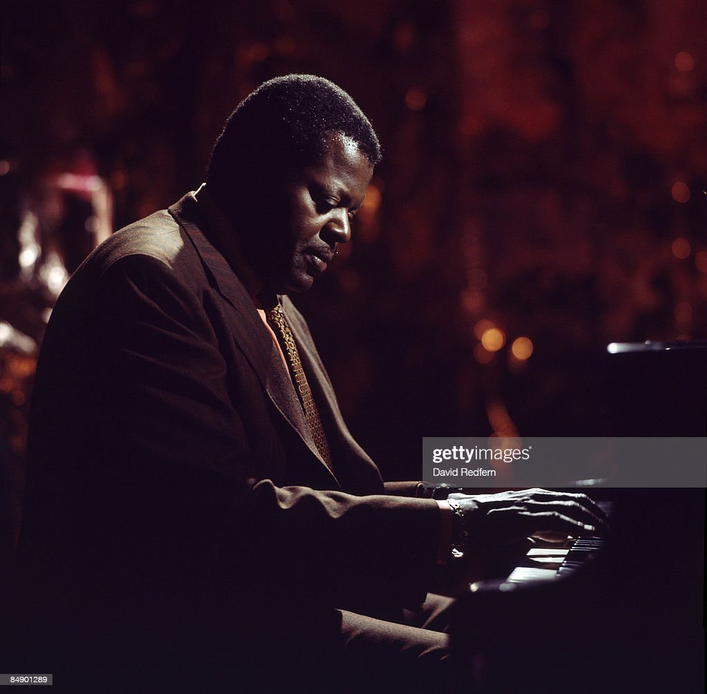 Photo of Oscar PETERSON : News Photo