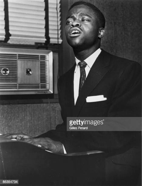 Photo of Otis BLACKWELL Posed portrait of Otis Blackwell