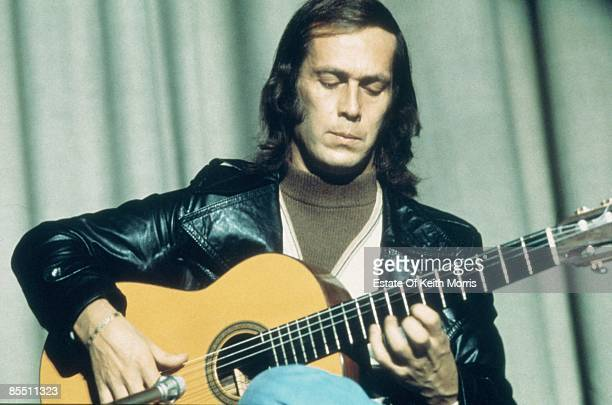 Photo of Paco DE LUCIA performing live onstage