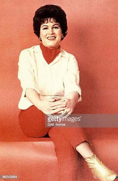 Photo of Patsy CLINE posed circa 1960