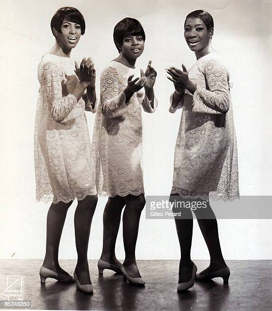 Photo of Patti LABELLE THE BLUEBELLES and Patti LABELLE and Nona HENDRYX and Sarah DASH Posed full length studio group portrait LR Nona Hendryx Sarah...