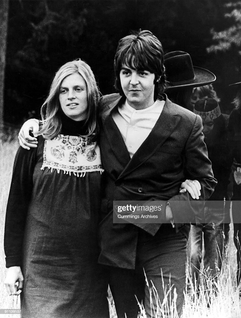Photo of Paul McCARTNEY and Linda McCARTNEY : News Photo