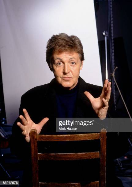 Photo of Paul McCARTNEY posed studio