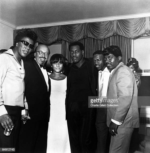 Photo of Percy SLEDGE and Ahmet ERTEGUN and ATLANTIC RECORDS and Otis REDDING LR Don Covay Ahmet Ertegun Anita Wexler Otis Redding unknown Percy...