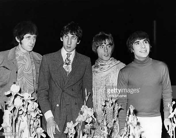 Photo of Pete TOWNSHEND and The Who and John ENTWISTLE and Keith MOON LR John Entwistle Pete Townshend Roger Daltrey Keith Moon posed group shot
