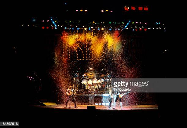 COLISEUM Photo of Peter CRISS and Paul STANLEY and Gene SIMMONS and Ace FREHLEY and KISS LR Gene Simmons Peter Criss Paul Stanley Ace Frehley...