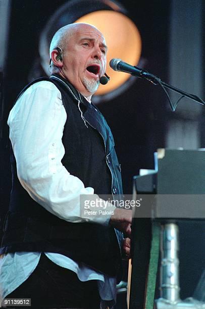 Photo of Peter GABRIEL Peter Gabriel WesterGasfabriek Amsterdam Nederland 29 juni 2007 Pop art rock symfonisch zanger componist en kunstenaar Peter...