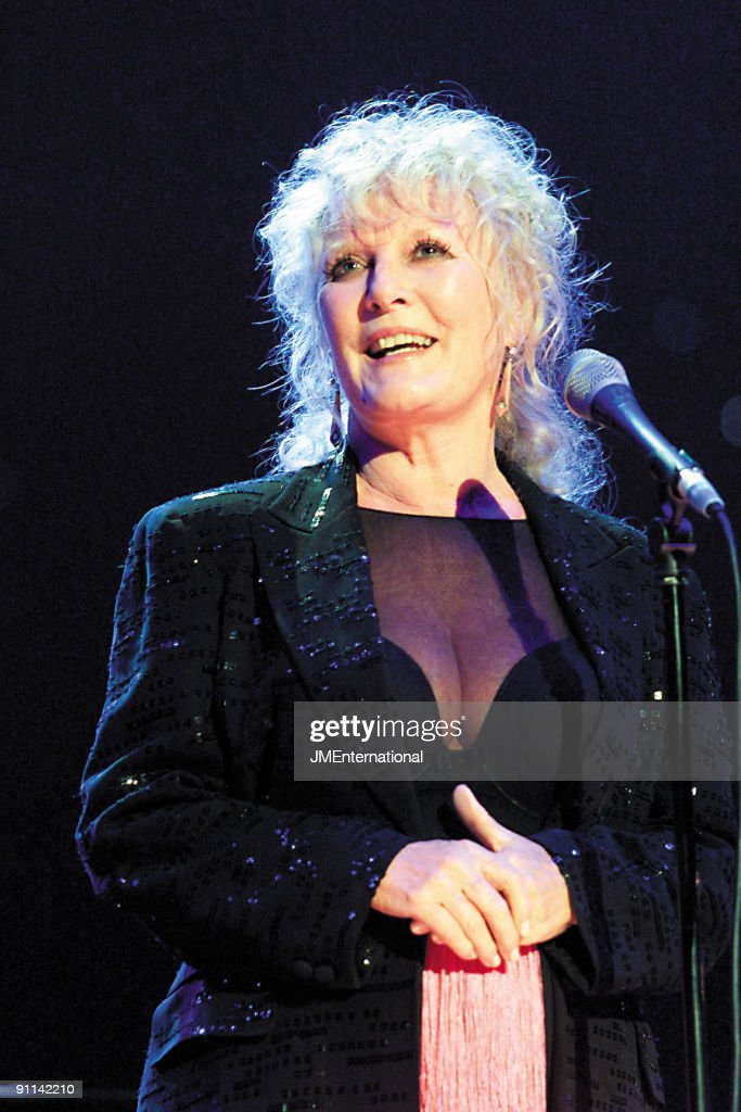 HALL Photo of Petula CLARK, Bacharach concert