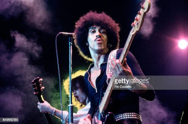 POOL Photo of Phil LYNOTT and Brian ROBERTSON and THIN LIZZY Brian Robertson and Phil Lynott performing live onstage