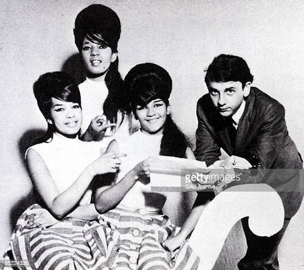 Photo of Phil SPECTOR and RONETTES; with The Ronettes
