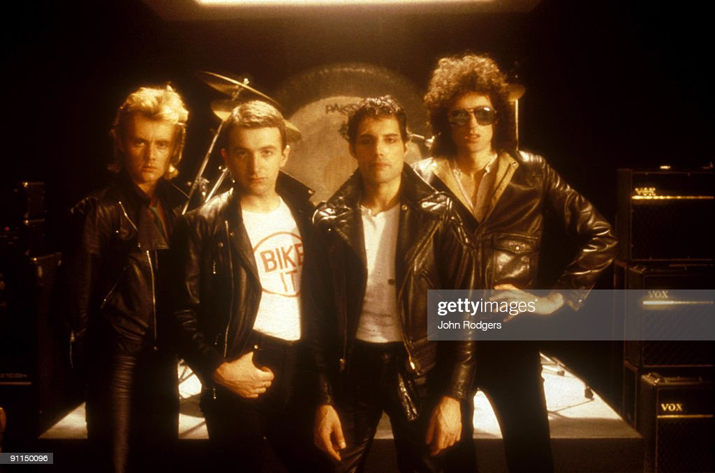 Archive Entertainment On Wire Image: Freddie Mercury And Queen