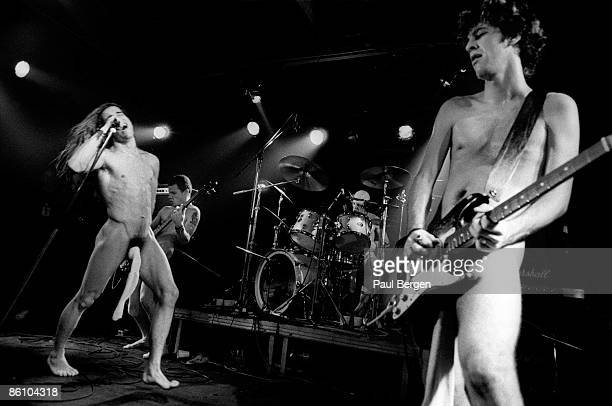 Photo of RED HOT CHILI PEPPERS; Eindhoven Effenaar, Red Hot Chilli Peppers, Singer Anthony Kiedis and Hilel Slovak on guitar