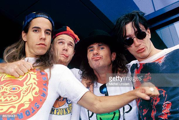 Photo of RED HOT CHILI PEPPERS LR Anthony Kiedis Flea Chad Smith John Frusciante posed group shot