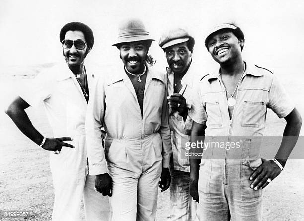 Photo of Renaldo BENSON and Abdul FAKIR and FOUR TOPS and Lawrence PAYTON and Levi STUBBS Posed group portrait L R Abdul 'Duke' Fakir Lawrence Payton...