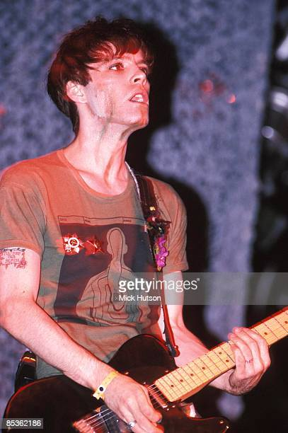 FESTIVAL Photo of Richey EDWARDS and MANIC STREET PREACHERS Richey Edwards performing live onstage