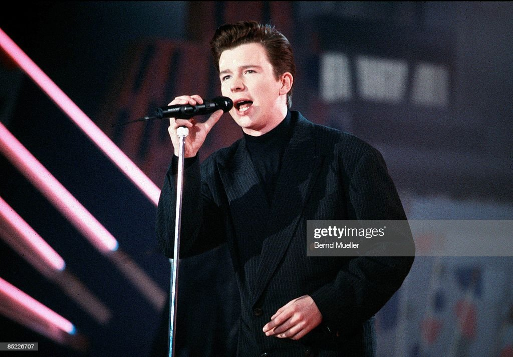 EINS Photo of Rick ASTLEY, performing on TV show