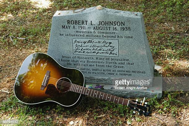 Photo of Robert JOHNSON and Robert JOHNSON Robert Johnson grave in Greenwood Mississippi He died on 16 August 1938 at the age of 27