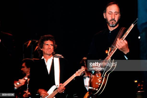 Photo of ROCK 'N' ROLL HALL OF FAME and ROLLING STONES and Keith RICHARDS and Pete TOWNSHEND; Keith Richards & Pete Townshend at the Rock 'n' roll...