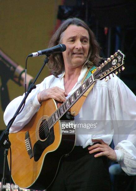 STADIUM Photo of Roger HODGSON Roger Hodgson performing on stage at the Concert for Diana
