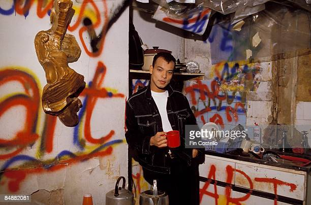 Photo of Roland GIFT and FINE YOUNG CANNIBALS; Roland Gift