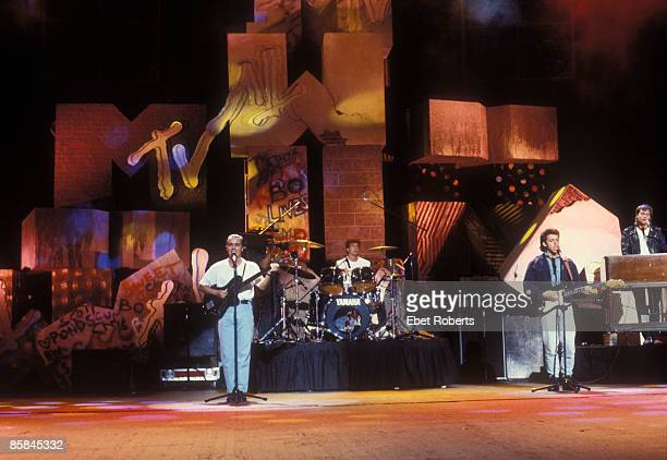 Photo of Roland ORZABAL and Curt SMITH and TEARS FOR FEARS Curt Smith Roland Orzabal performing at the MTV Awards at Radio City Music Hall