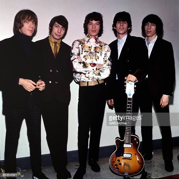 Photo of ROLLING STONES and Brian JONES and Charlie WATTS and Mick JAGGER and Keith RICHARDS and Bill WYMAN Posed group portrait LR Brian Jones...