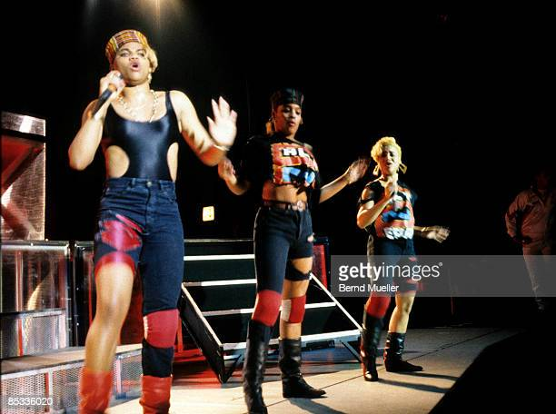 STADTHALLE Photo of SALT 'N' PEPA and Cheryl JAMES and Sandra DENTON and DJ SPINDERELLA LR Sandra 'Pepa' Denton DJ Spinderella and Cheryl 'Salt'...