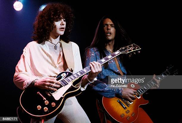 POOL Photo of Scott GORHAM and Brian ROBERTSON and THIN LIZZY Brian Robertson Scott Gorham performing live onstage playing Gibson Les Paul guitars