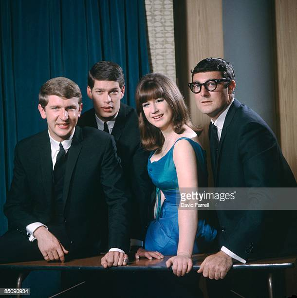 Photo of SEEKERS and Bruce WOODLEY and Keith POTGER and Judith DURHAM and Athol GUY; Posed group portrait L-R Bruce Woodley, Keith Potger, Judith...