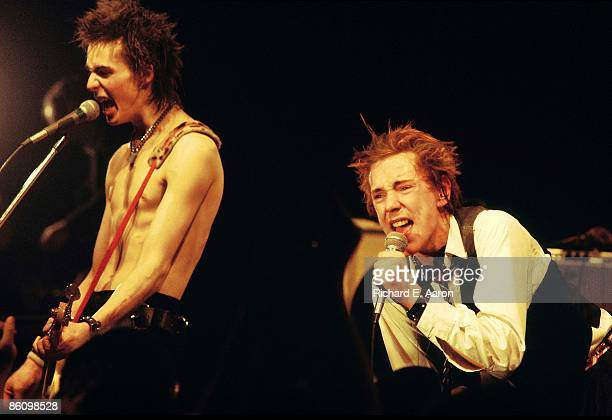 Photo of SEX PISTOLS Sid Vicious Johnny Rotten performing live onstage at The Great South East Music Hall Emporium on final tour