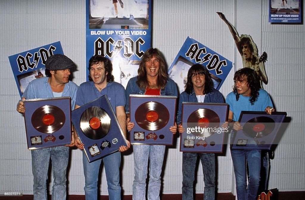 Photo of Simon WRIGHT and Malcolm YOUNG and Cliff WILLIAMS and Brian JOHNSON and Angus YOUNG and AC/DC and AC DC : News Photo