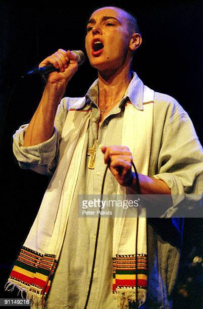 Photo of Sinead O'CONNOR Sinead O' Connor Nederland Spui Theater Den Haag Crossing Border Festival 16 november 2005 Pop indie zangeres Sinead O'...