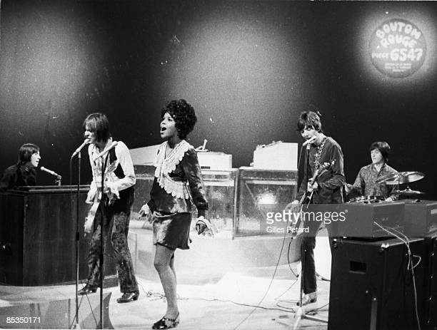 Photo of SMALL FACES and PP ARNOLD and Ian McLAGAN and Steve MARRIOTT and Ronnie LANE and Kenney JONES; L-R Ian McLagan, Steve Marriott, P.P Arnold,...